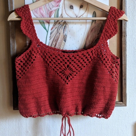 Forever 21 Tops - Forever 21 crochet crop top